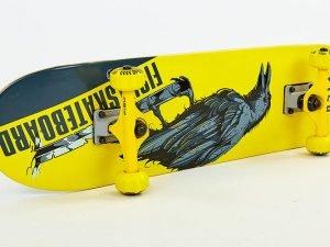 Скейтборд деревянный в сборе из канадского клена 31in FISH CROW (желтый-черный)