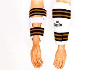 Защита предплечья для тхэквондо DADO (PU, р-р S-XL, белый, набор 2 щитка)