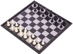 Шахматы дорожные пластиковые на магнитах (пластик, р-р доски 19см x 19см)