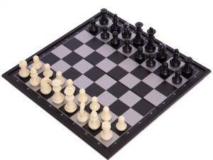 Шахматы дорожные пластиковые на магнитах (пластик, р-р доски 25см x 25см)
