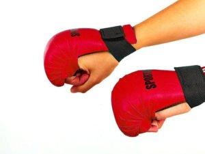 Перчатки для каратэ SPORTKO UR (кожвинил, р-р S-L, красный, манжет на резинке)