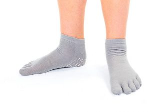 Носки для йоги с закрытыми пальцами  SP-Planeta (полиэстер, хлопок, р-р 36-41, цвета в ассортименте) - Цвет Серый