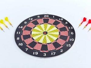 Мишень для игры в дартс из прессованной бумаги 17in Baili (d-43cм,в комплек. 6 дротиков 8g)