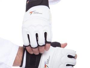 Перчатки для тхэквондо с фиксатором запястья WTF (PU, полиэстер, р-р XS-XL, белый) - L