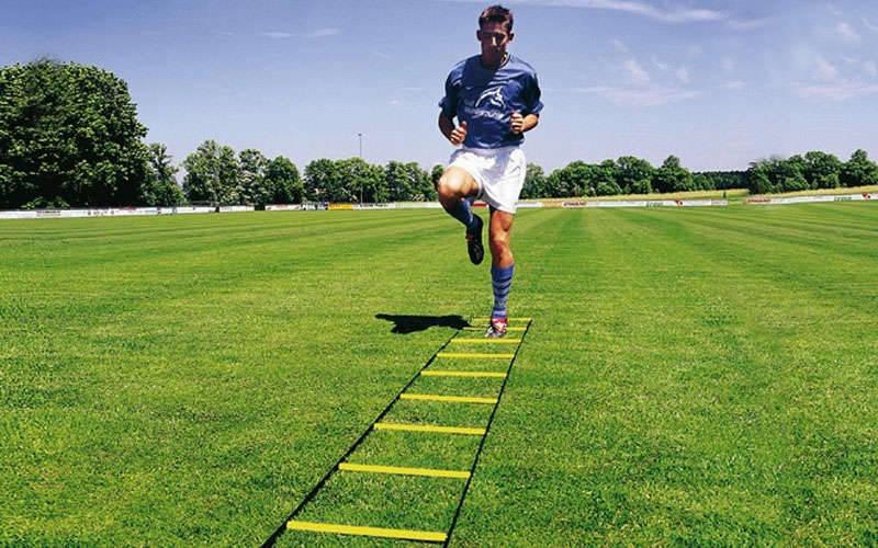 Координационная лестница дорожка для тренировки скорости 6м (12 перекладин) (6мx0,52мx2мм, цвета в ассортименте)