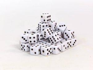 Кости игральные для игр (пластик, р-р 1,1×1,1см, цена за 1 шт., в уп. 50 шт.)