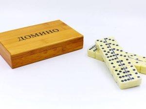 Домино настольная игра в бамбуковой коробке (кости-пластик, h-4,9см,р-р кор. 19,5x12x4см)