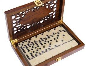 Домино настольная игра в деревянной коробке (кости-пласт, h-4,9см,р-р кор. 20,5×12,5×4см)