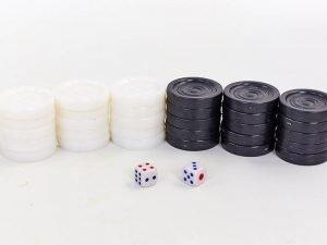 Запасные фигурки для шашек+ 2 кубика (кости) (пластик, d шашки-3см)