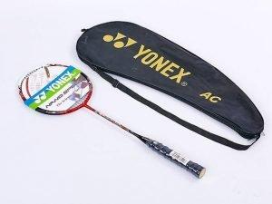 Ракетка для бадминтона профессиональная 1 штука в чехле YONEX VOLTRIC 50 (цвета в ассортименте дубл)
