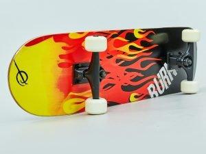 Скейтборд в сборе (роликовая доска) (колесо-PU, р-р деки 79х20х1см, карбоновый подшипник, цвета в ассортименте)