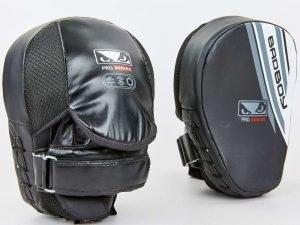 Лапа Изогнутая (2шт) FLEX BAD BOY Pro Series Advanced (крепление на липучке, р-р 25x20x10 см, черный-белый)