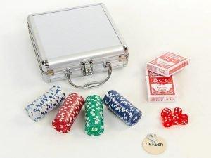 Набор для покера в алюминиевом кейсе на 100 фишек с номиналом (2 кол.карт, 5 куб)