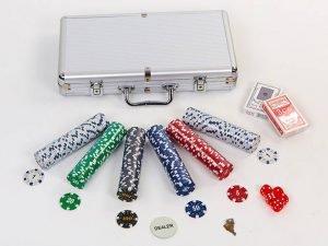 Набор для покера в алюминиевом кейсе на 300 фишек с номиналом (2 кол.карт,5куб)
