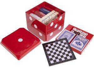 Набор настольных игр 6 в 1 (покер, карты, домино, шахматы, нарды, кости)