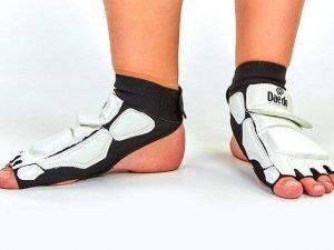 Защита стопы носки-футы для тхэквондо DADO (PU, р-р S(33-34) - L(37-38), l-19,5-24,5см, белая) - L (37-38)