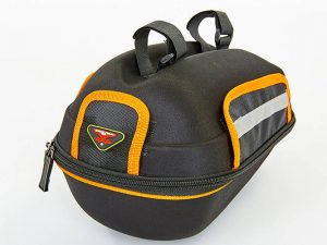 Сумка на багажник велосипеда с чехлом WOLF BASE (PL, р-р 25x20x17см, черный-оранжевый)